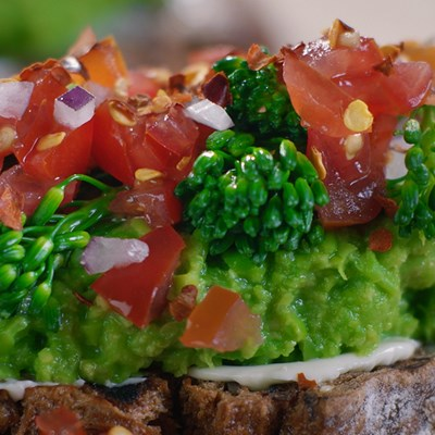 Minty Pea Bruschetta with Tomatoes & Broccolini