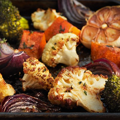 Oven roasted vegetables with garlic and thyme