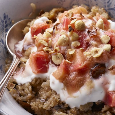 RYE AND RHUBARB PORRIDGE