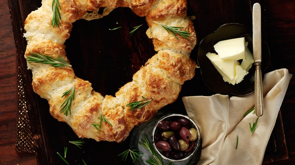 Pull-Apart Cheese Scone Christmas Wreath